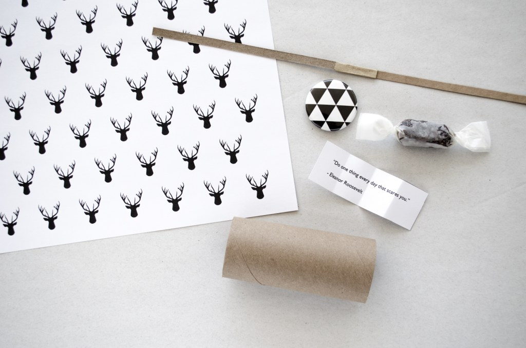DIY christmas crackers paper